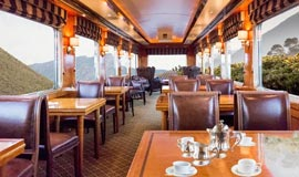 Dining cart abourt the Blue Train