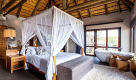 4 Poster bed at Nambiti Hills